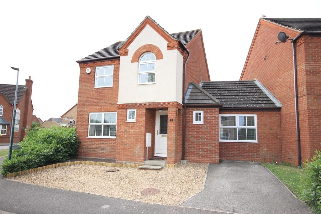 3 Bedrooms Detached House for sale in Meadhook Drive, Barton-le-Clay, Bedford, MK45