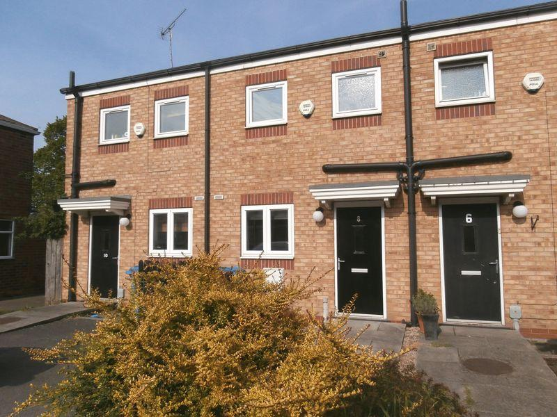 2 Bedrooms Terraced House for sale in Sunningdale Road, Hull