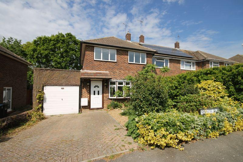 3 Bedrooms End Of Terrace House for sale in Manor Road, Burgess Hill, West Sussex