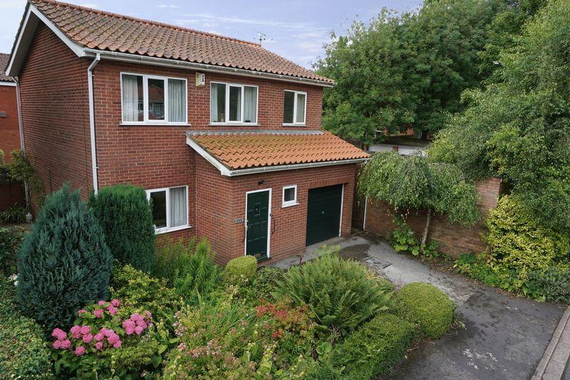 3 Bedrooms Detached House for sale in Springfield Close, Lincoln