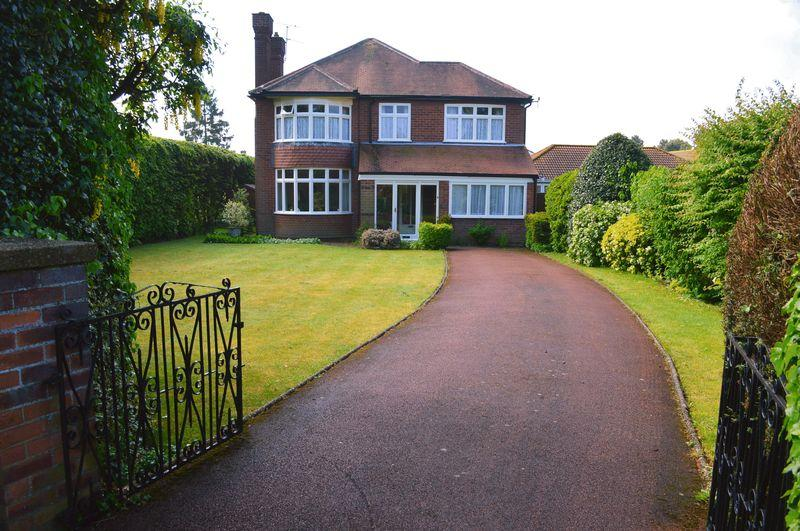 4 Bedrooms Detached House for sale in Doddington Road, Lincoln
