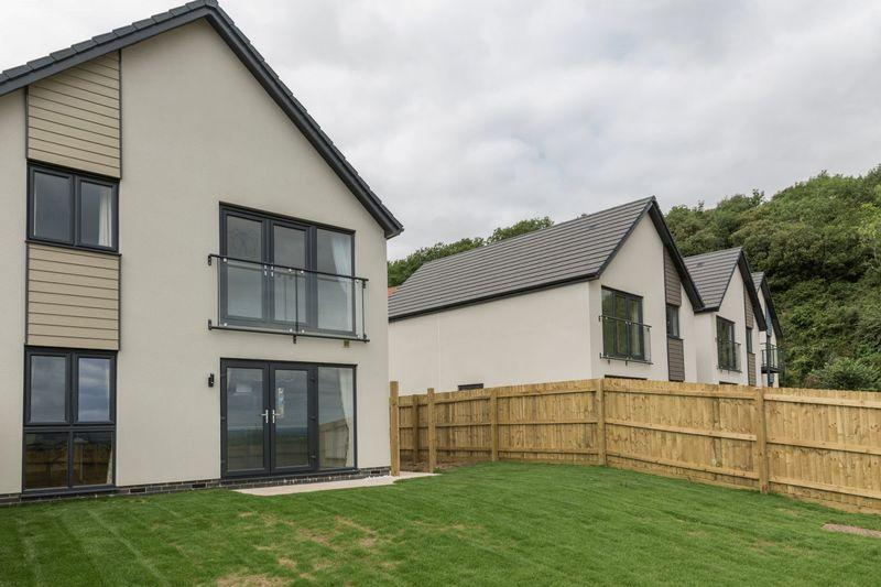 3 Bedrooms Detached House for sale in Milbury Gardens, Weston-Super-Mare