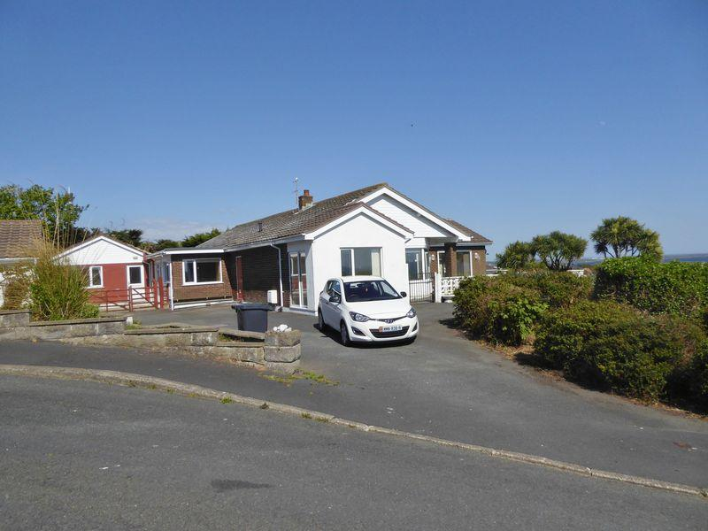 4 Bedrooms Detached Bungalow for sale in Highcrest, Perwick Bay, Port St Mary