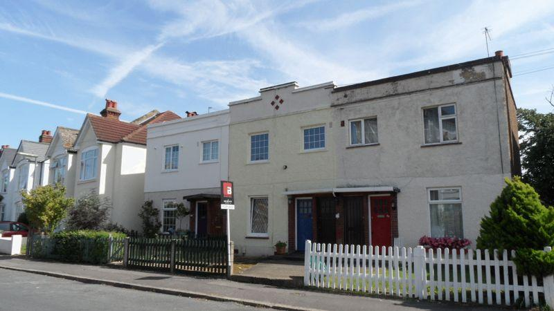 1 Bedroom Apartment Flat for sale in West Molesey
