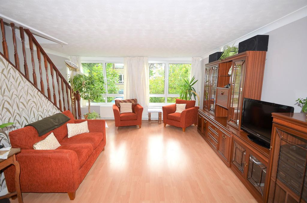4 Bedrooms End Of Terrace House for sale in Wakefield Gardens, Upper Norwood SE19