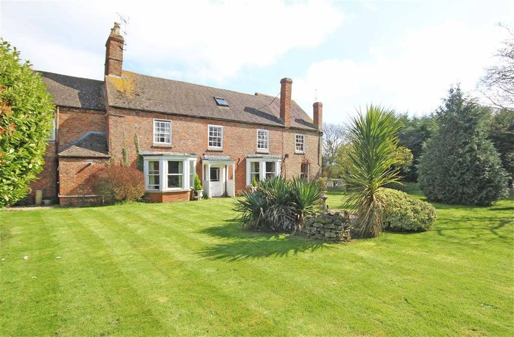 7 Bedrooms Semi Detached House for sale in Stoke Road, Stoke Orchard, Cheltenham, GL52