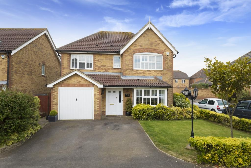 4 Bedrooms Detached House for sale in Pannell Drive, Hawkinge, CT18