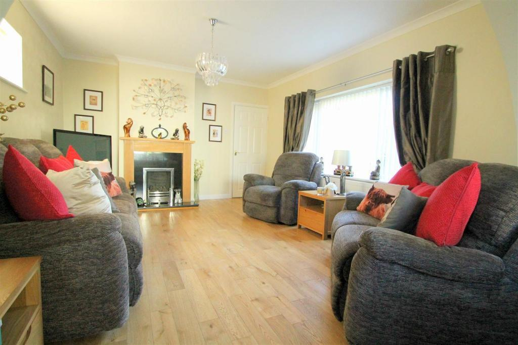 3 Bedrooms Detached Bungalow for sale in Parkside, Shoreham-By-Sea