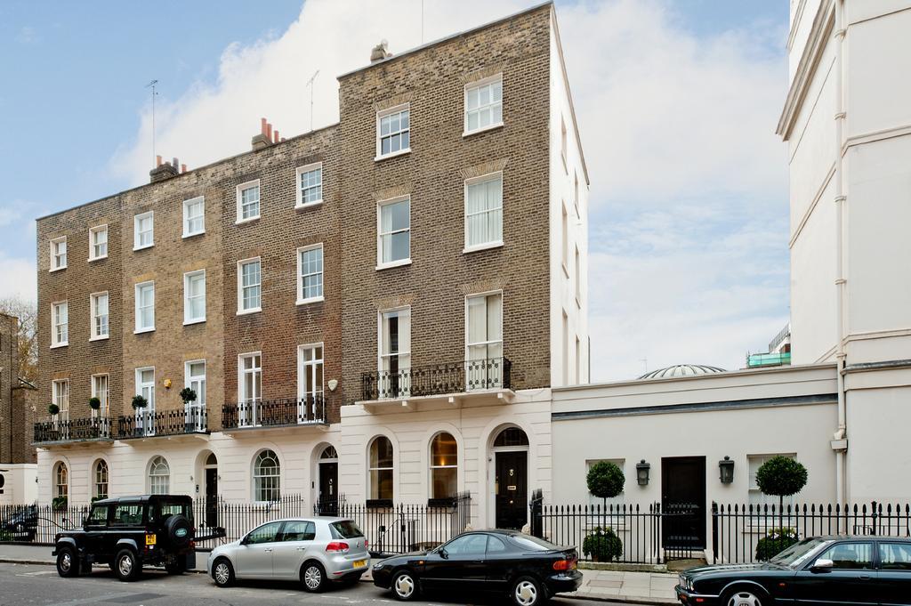 5 Bedrooms Block Of Apartments Flat for sale in Lower Belgrave Street, Belgravia, London SW1W