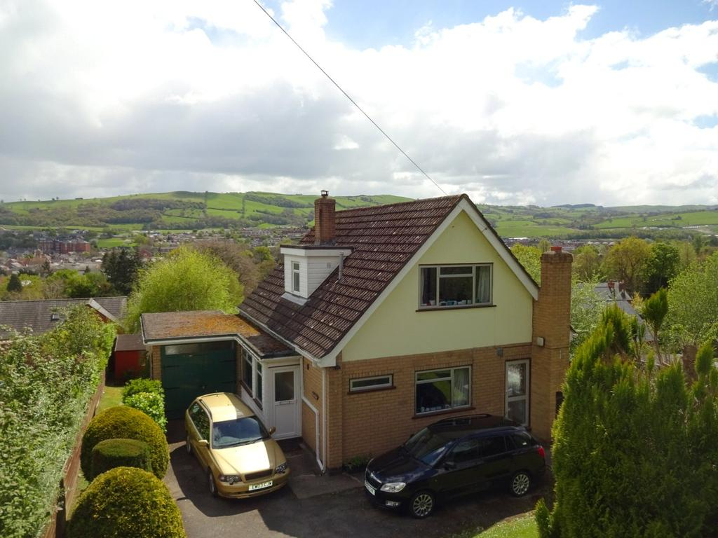 4 Bedrooms Detached House for sale in Fron Lane, Newtown, Powys