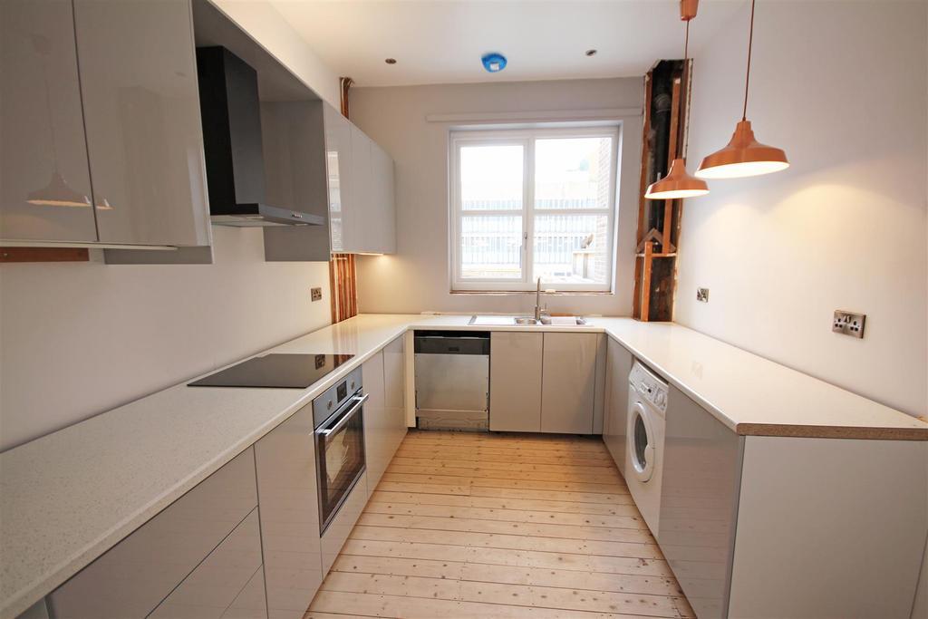 3 Bedrooms Maisonette Flat for rent in London Road, Brighton