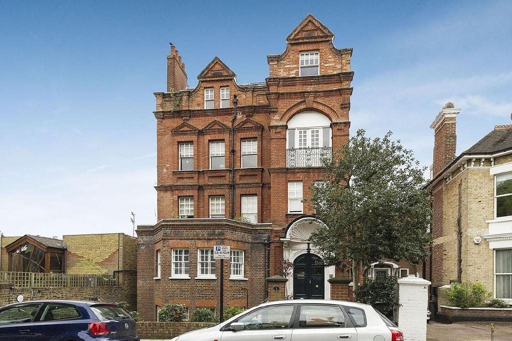 4 Bedrooms Flat for sale in Woodchurch Road, South Hampstead, NW6