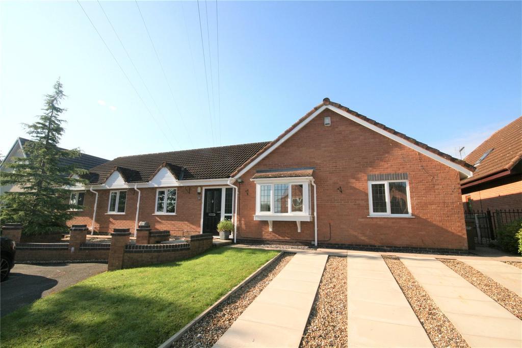 5 Bedrooms Detached Bungalow for sale in The Poplars, Hawarden, Flintshire, CH5