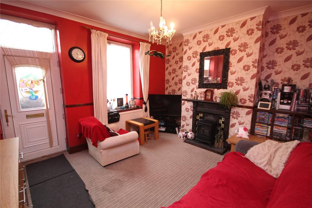 3 Bedrooms Terraced House for sale in Park Street, Wombwell, Barnsley, South Yorkshire, S73