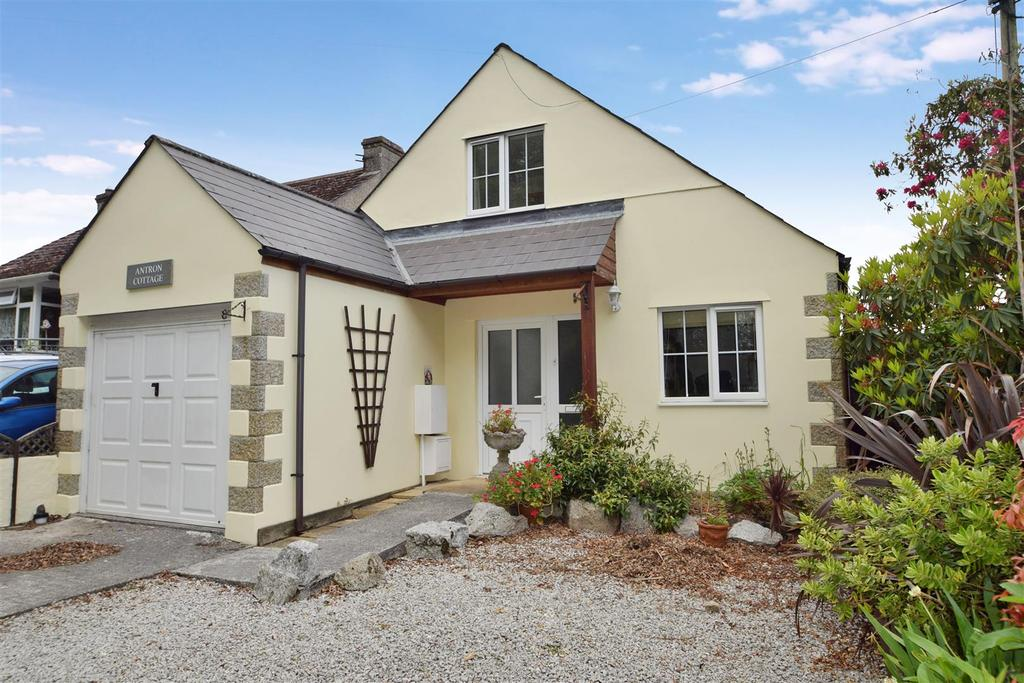 3 Bedrooms Detached House for sale in Antron Hill, Mabe Burnthouse, Penryn