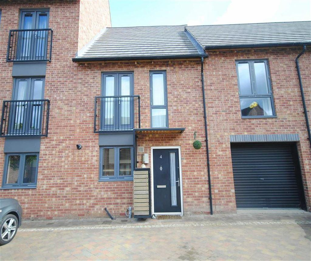 2 Bedrooms Semi Detached House for sale in Siskin Way, Allerton Bywater, Castleford, WF10