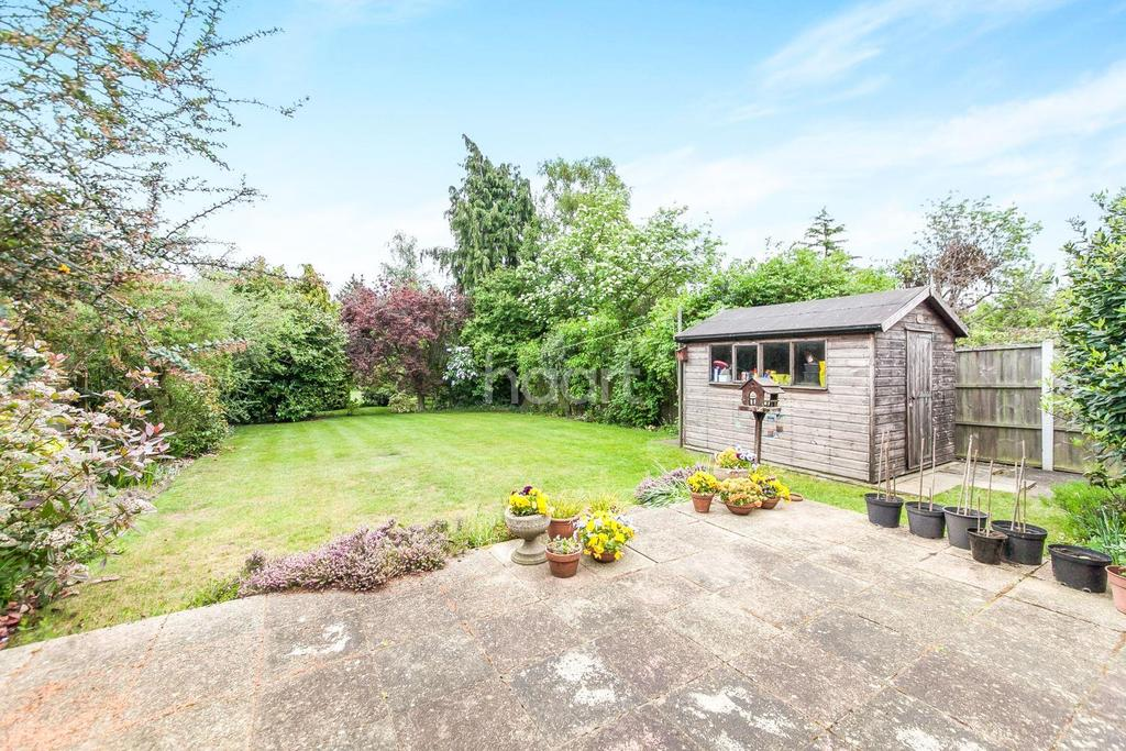 3 Bedrooms Detached House for sale in Stourdale Close, Lawford, Manningtree, Essex