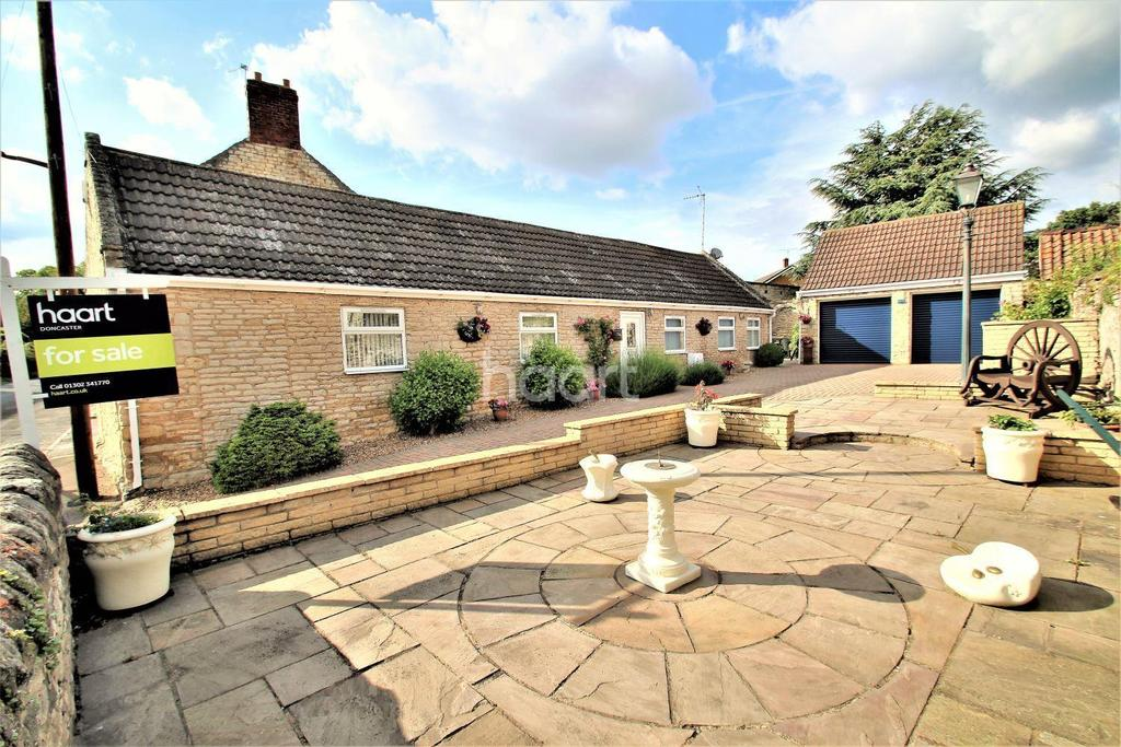 2 Bedrooms Bungalow for sale in The Bungalow, Loversall