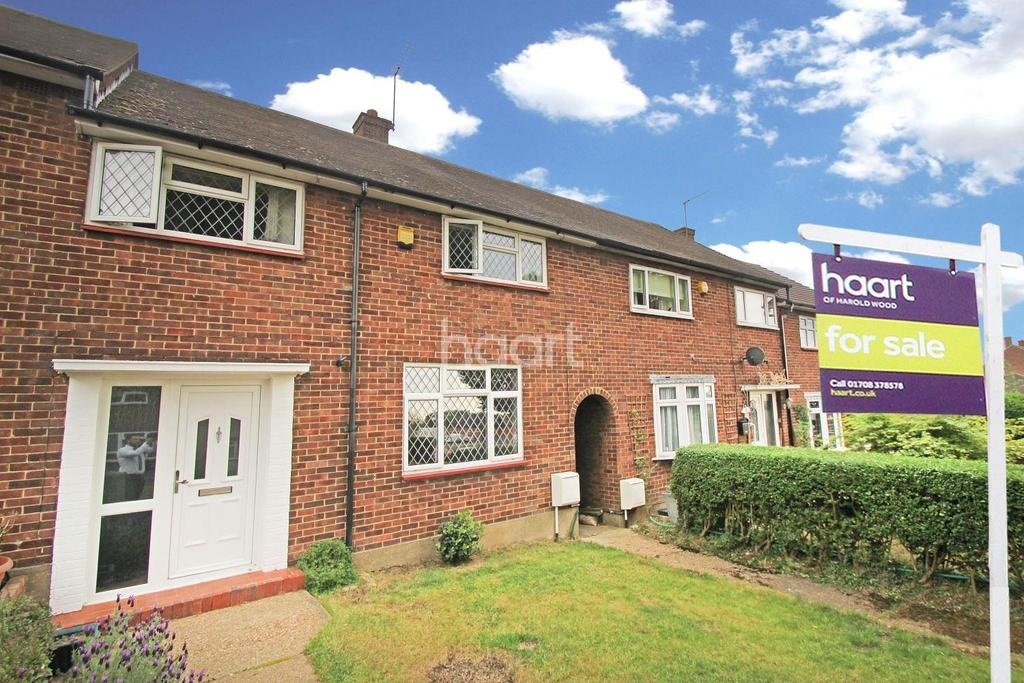 3 Bedrooms Terraced House for sale in Tiverton Grove, Harold Hill , RM3