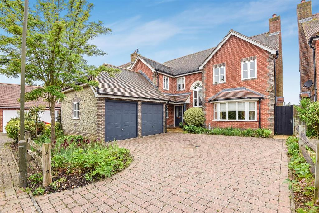 4 Bedrooms Detached House for sale in Duxford Close, Tangmere