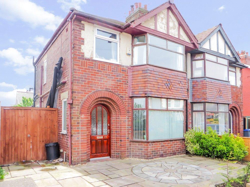 3 Bedrooms Semi Detached House for sale in Highbury Avenue, Layton, Blackpool