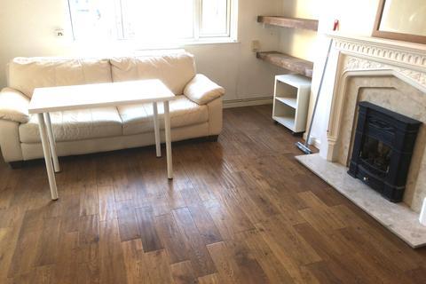2 bedroom flat to rent - Royal Oak Court, Pitfield Street, London N1