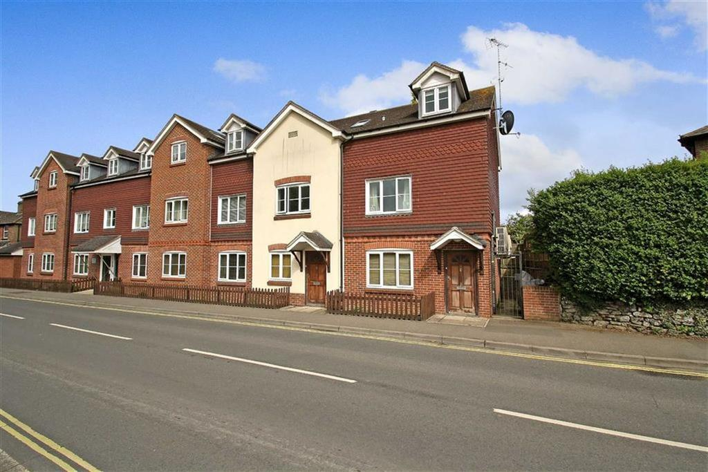 1 Bedroom Flat for sale in Portsmouth Road, Liphook, Hampshire, GU30