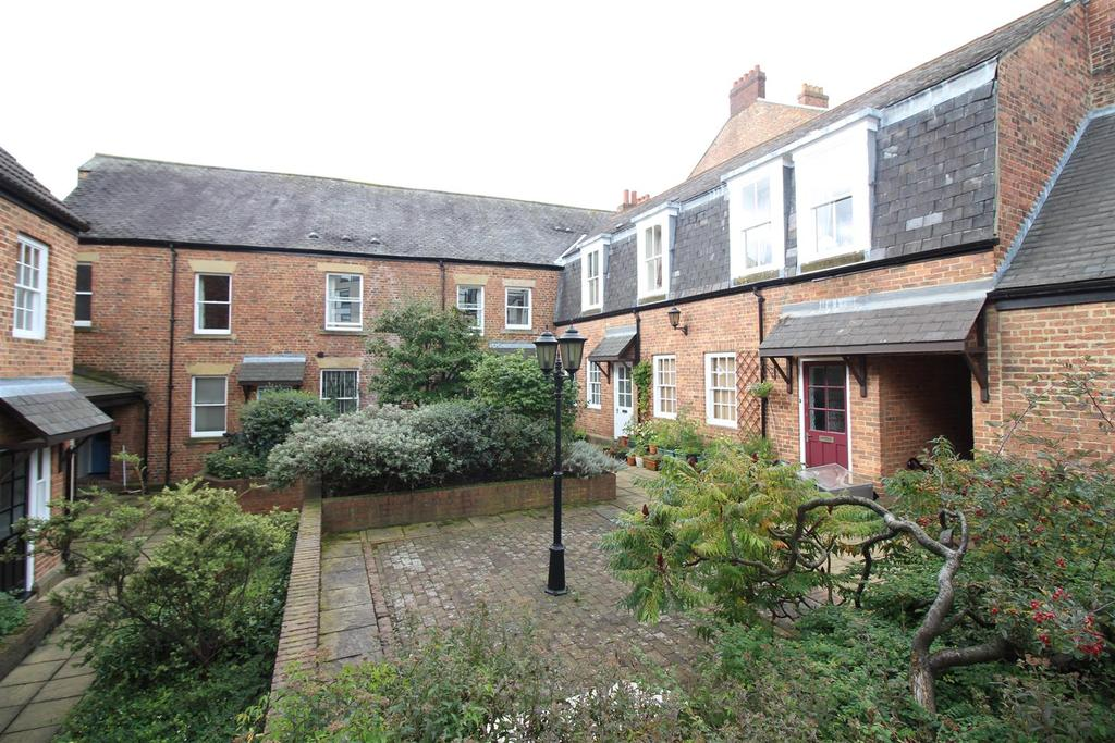 4 Bedrooms Maisonette Flat for rent in Tanners Court, City Centre, Newcastle Upon Tyne