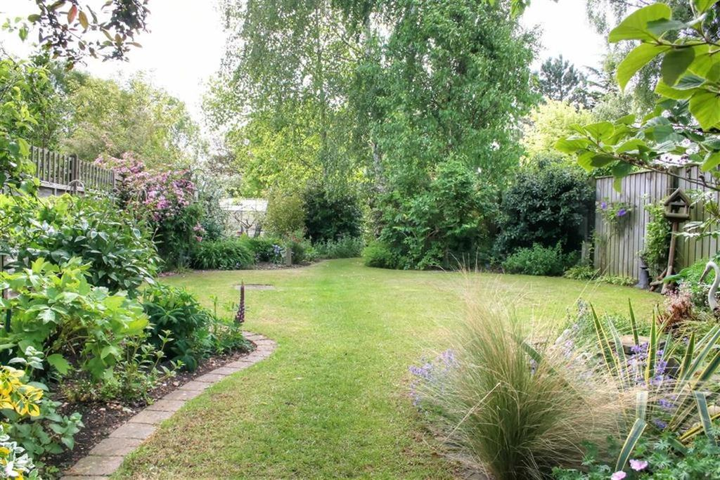 4 Bedrooms Semi Detached House for sale in Ely Road, Waterbeach, Cambridge