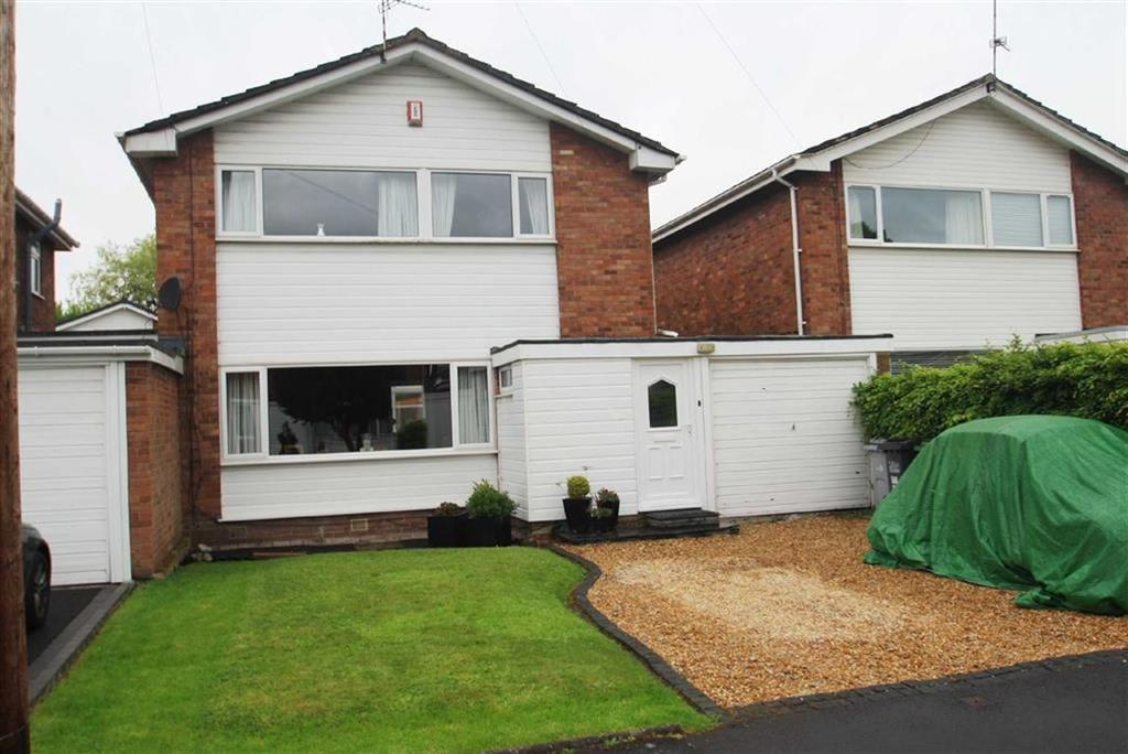 4 Bedrooms Link Detached House for sale in Lyndhurst Close, Wilmslow