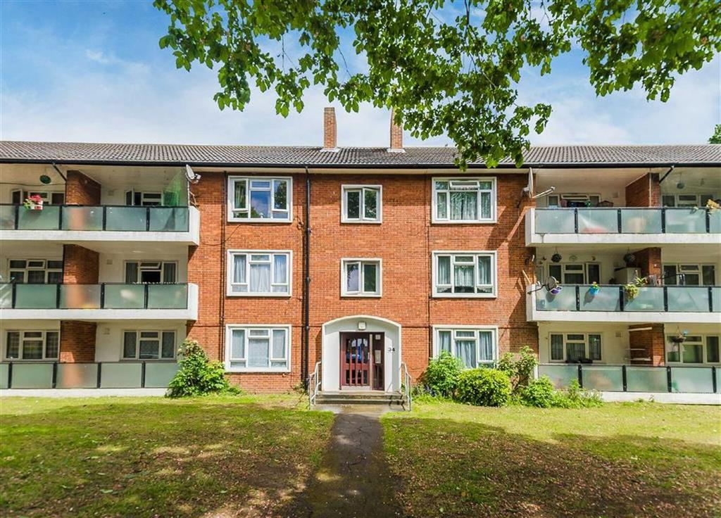 2 Bedrooms Apartment Flat for sale in Dabbs Hill Lane, Northolt