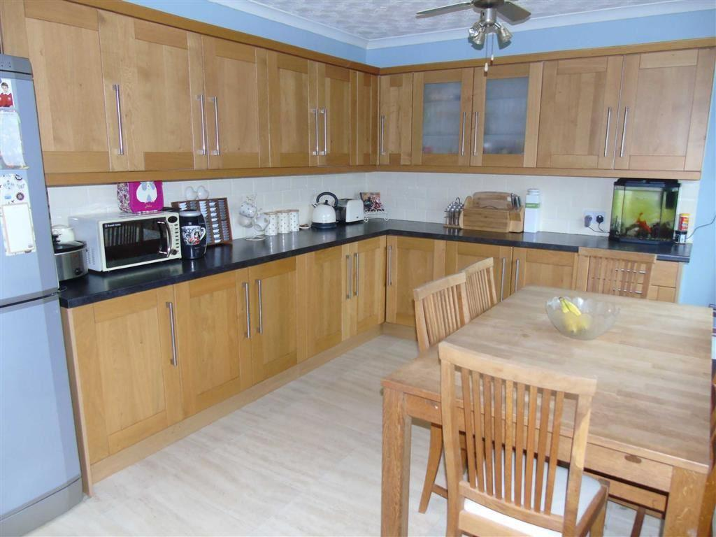 3 Bedrooms Terraced House for sale in Heol Camlan, Birchgrove, Swansea