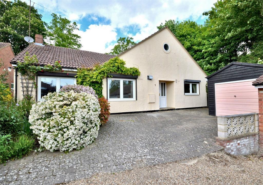 4 Bedrooms Detached Bungalow for sale in 9 Butler Close, Saffron Walden