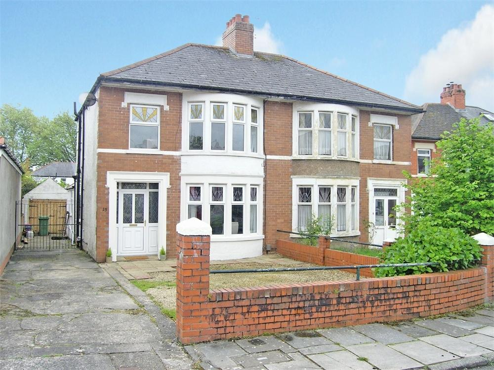 3 Bedrooms Semi Detached House for sale in St Gowan Avenue, Heath, Cardiff