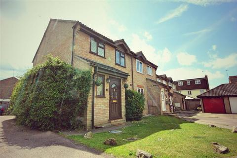 3 bedroom semi-detached house for sale - Kirk Place, CHELMSFORD, Essex