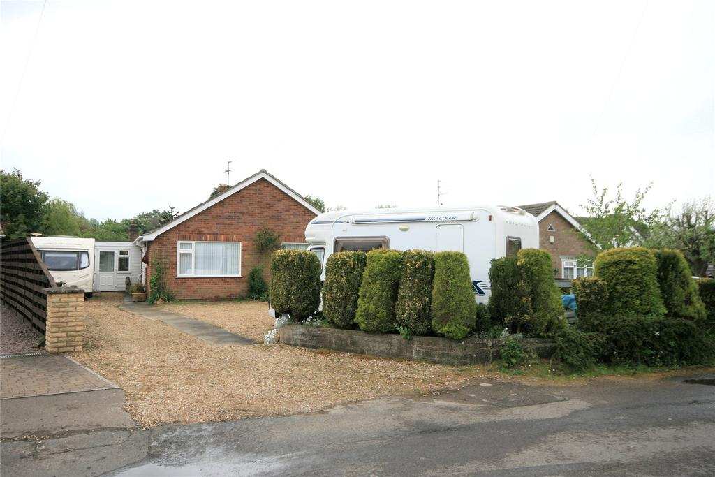 4 Bedrooms Detached Bungalow for sale in Seas End Road, Surfleet Seas End, PE11