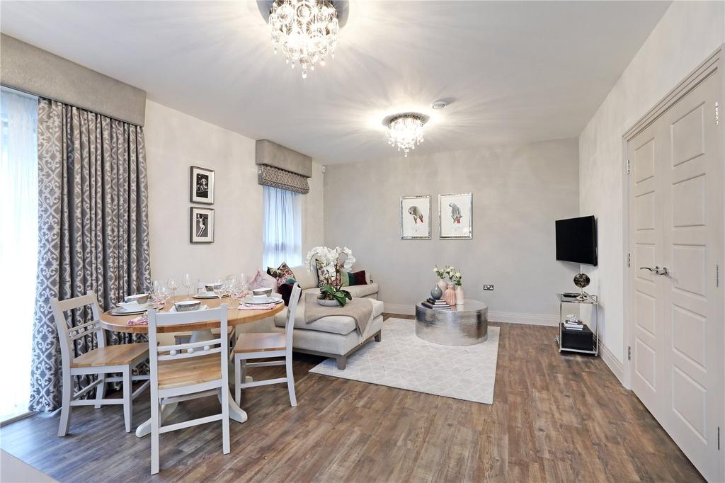 2 Bedrooms Flat for sale in Queens Place, Guildford, Surrey, GU2