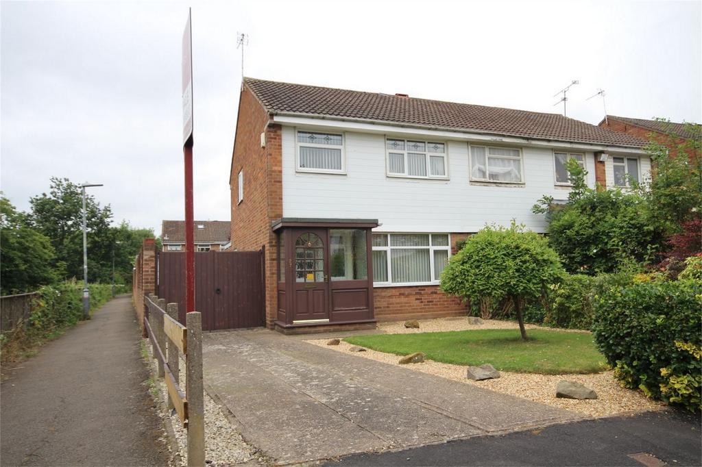 3 Bedrooms Semi Detached House for sale in Regency Close, Weddington, Nuneaton