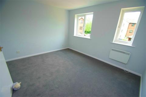 1 bedroom flat for sale - Courtlands Close, WATFORD, Hertfordshire