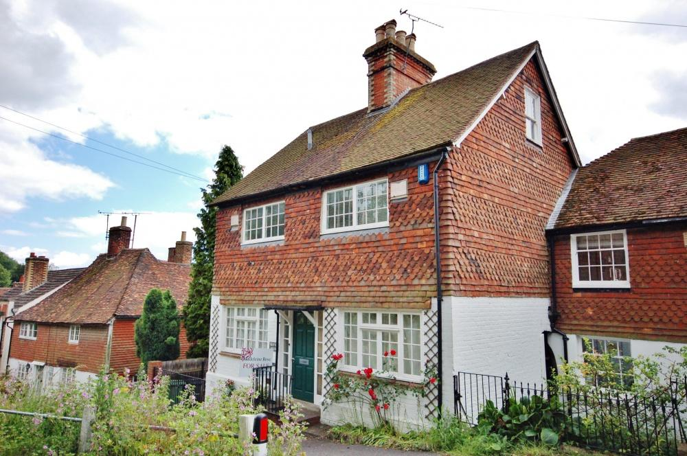 3 Bedrooms Semi Detached House for sale in Lower Road, Sutton Valence, ME17