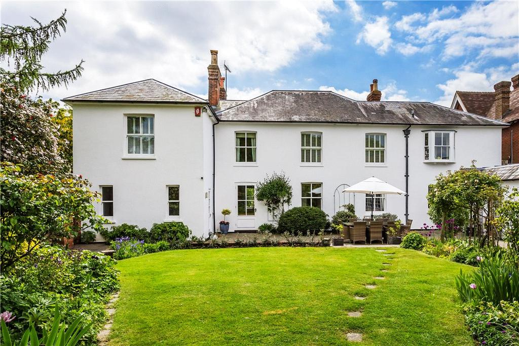 5 Bedrooms Detached House for sale in The Common, Cranleigh, Surrey, GU6
