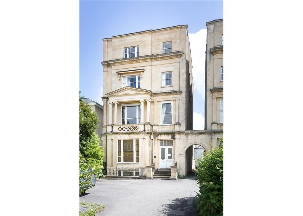 1 Bedroom Flat for sale in Lansdown Terrace, Cheltenham, Gloucestershire, GL50