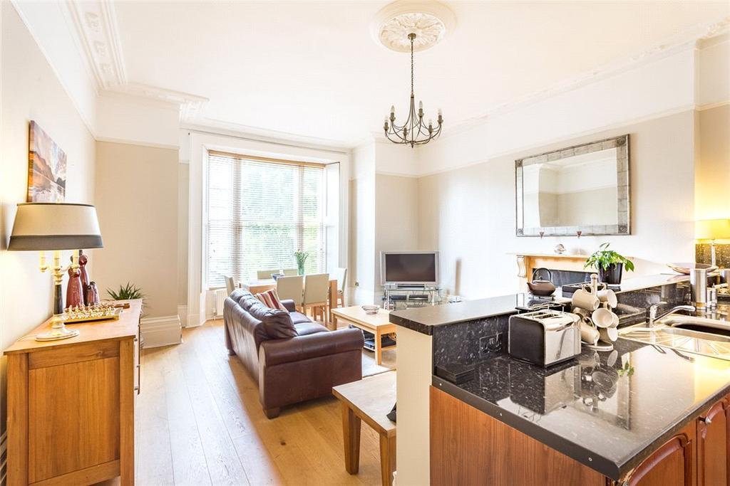 1 Bedroom Flat for sale in Lansdown Terrace, Cheltenham, Gloucestershire, GL50