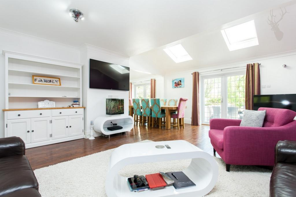5 Bedrooms House for sale in Wellfields, Loughton, IG10