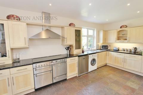 4 bedroom detached house to rent - Clitherow Avenue, Hanwell, W7