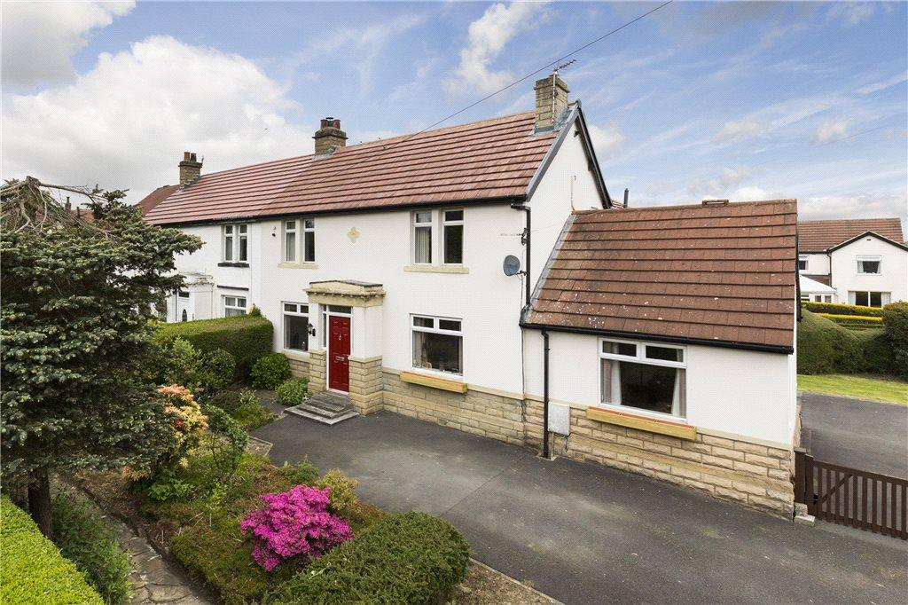 4 Bedrooms Semi Detached House for sale in Greencliffe Avenue, Baildon, West Yorkshire