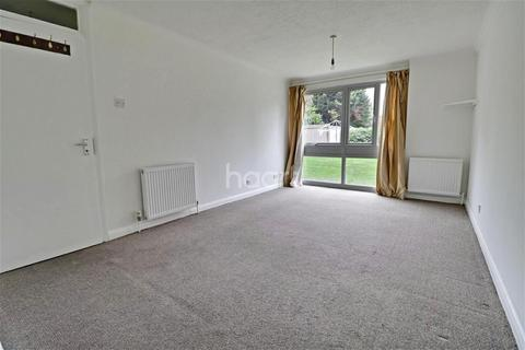 2 bedroom flat to rent - Cleveland Road, South Woodford, E18