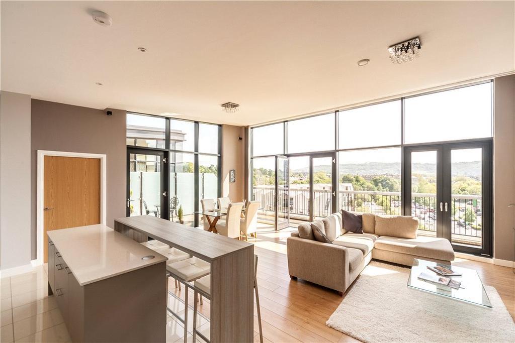 2 Bedrooms Penthouse Flat for sale in Palladian, Victoria Bridge Road, Bath, Somerset, BA2