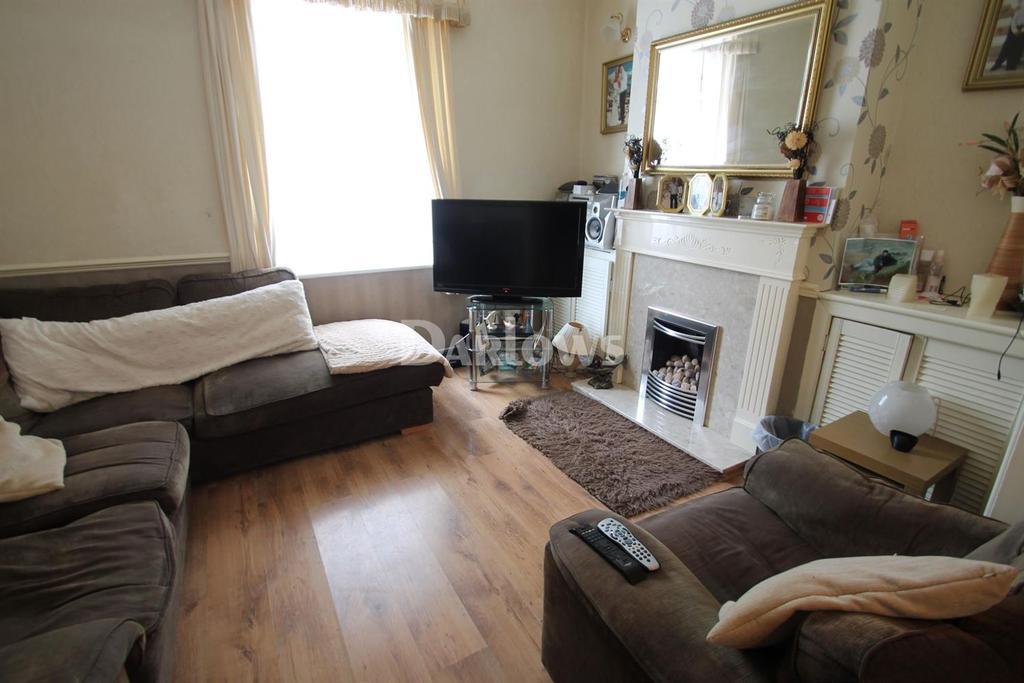 3 Bedrooms Terraced House for sale in Earl Street, Grangetown
