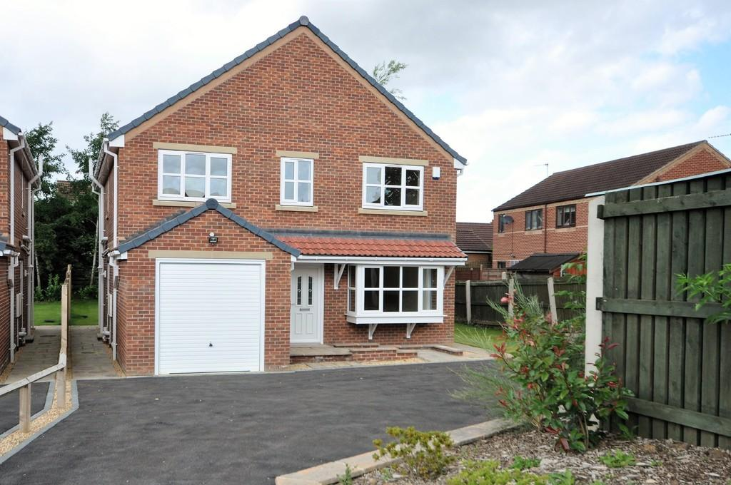 4 Bedrooms Detached House for sale in Bridge Lane, Pollington
